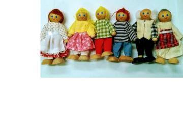 בובות משפחה מעץ מלא